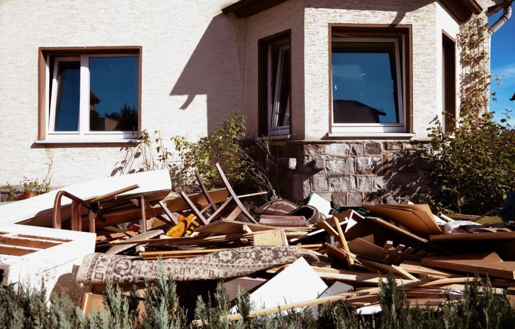 Window and Siding Removal Dumpster Services-Greeley's Main Dumpster Rental Services
